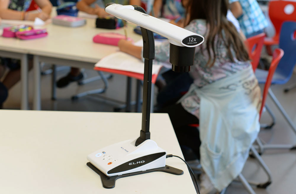 ELMO TX-1 the WLAN document camera for primary school, secondary school, junior high school and secondary school.